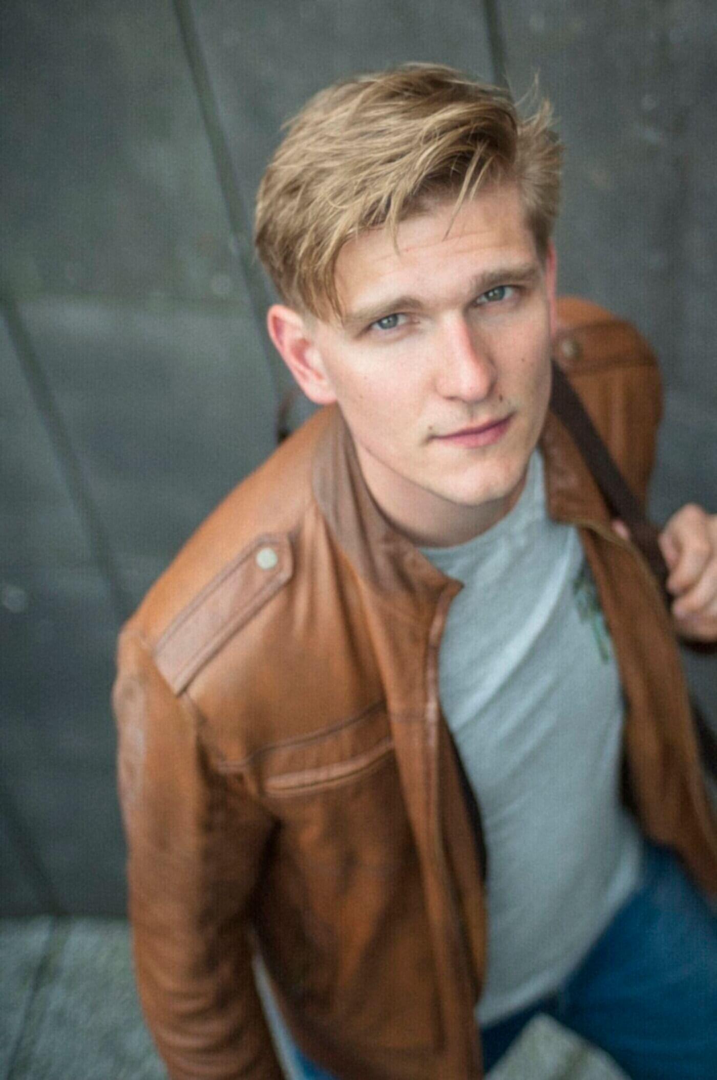 David-Schellenschmidt-Schauspielerportrait-Tim-Rochels